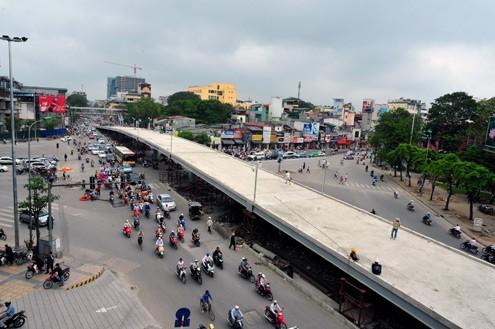 'Mục sở thị' cầu vượt lắp ghép đầu tiên ở thủ đô - ảnh 7