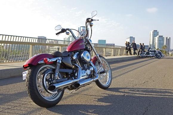 Cận cảnh Harley-Davidson XL883L Seventy-Two - ảnh 1