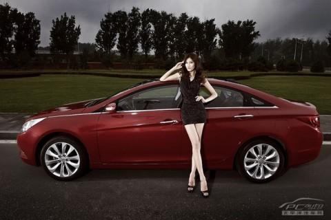 Mỹ nhân khoe sắc bên Hyundai Sonata - ảnh 12