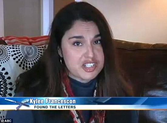 Fan nữ tố cáo việc hàng trăm bức thư gửi cho Taylor Swift bị vứt ở bãi rác trên truyền hình