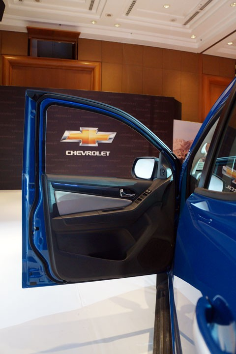 Cận cảnh Chevrolet Colorado LTZ - ảnh 12