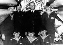 Thuyền trưởng Medvedev và kíp thủy thủ của mình