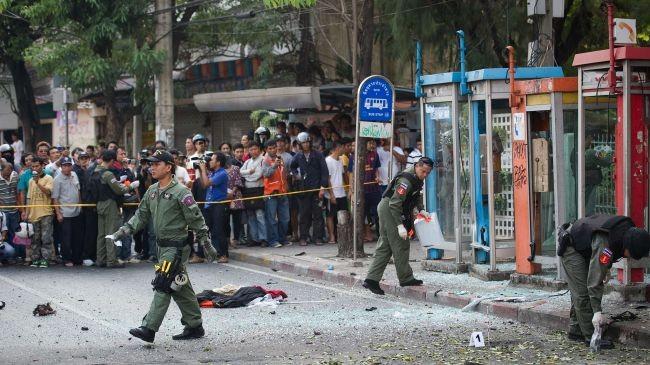 Hiện trường vụ ném bom ngày 14-2. Ảnh: Press TV