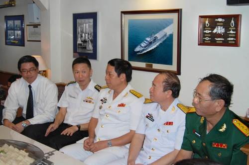 Chuyến thăm góp phần tăng cường quan hệ giữa lực lượng Hải quân hai nước