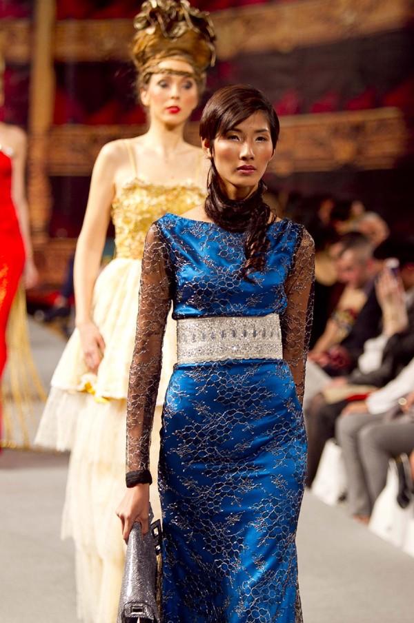 Hoàng Thùy lọt mắt xanh 'cha đẻ' Couture Fashion Week - ảnh 11