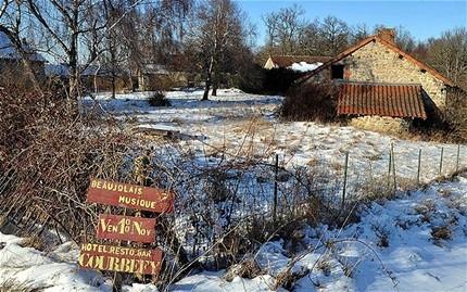 Ngôi làng Courbefy, Pháp với giá bán 435.000 USD