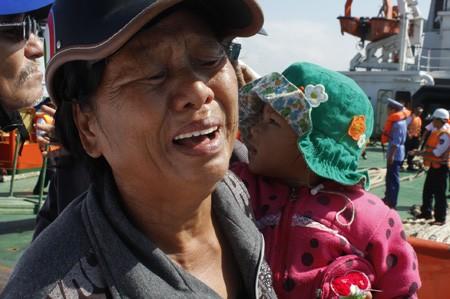 Quảng Nam: 11 ngư dân gặp nạn trở về an toàn - ảnh 6