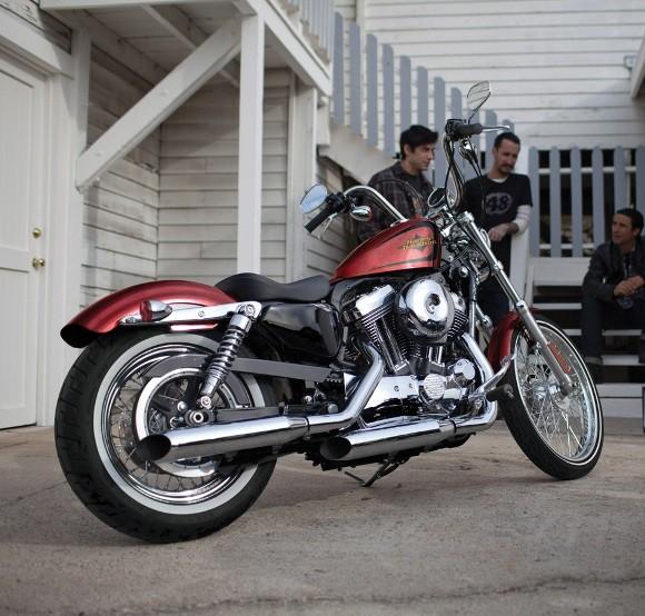 Cận cảnh Harley-Davidson XL883L Seventy-Two - ảnh 4