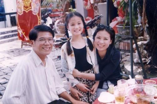 Chụp ảnh cùng NSƯT Kim Xuân