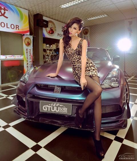 'Báo gấm' tạo dáng bên Nissan GTR - ảnh 6