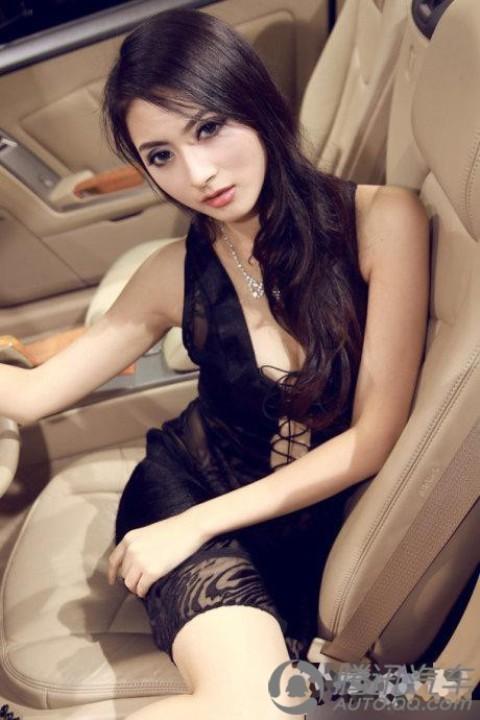 Nữ PG xinh đẹp bên xế sang - ảnh 5