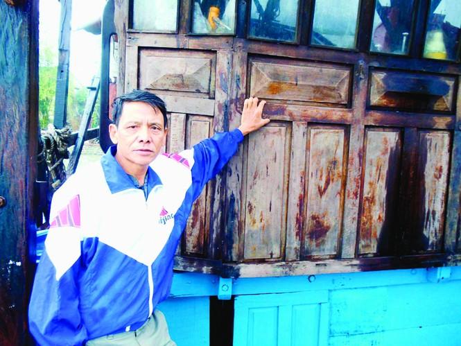 Thuyền trưởng Nguyễn Tấn Lạt 20 năm gắn bó nghề câu mực Trường Sa