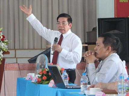 Thầy Huỳnh Công Minh - nguyên GĐ Sở GD-ĐT TP.HCM