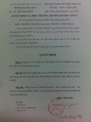 """Thêm một quyết định nghiệm thu đề tài (số 574) bản gốc không  giống như bản phô tô có trong hồ sơ đề nghị công nhận giáo sư của ông Dương, không hề ghi """"chủ nhiệm đề tài: PGS.TS Nguyễn Đại Dương"""" như bản phô tô"""