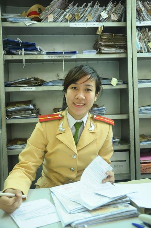 Nữ cảnh sát