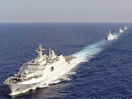 Tàu chiến Trung Quốc 'diễu võ dương oai' ở Trường Sa - ảnh 3