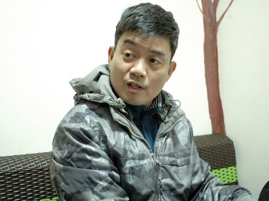 Ông Hoàng Quốc Tuế - Giám đốc công ty TNHH Du lịch Lạc Đà trao đổi với phóng viên. Ảnh: Tuấn Nguyễn