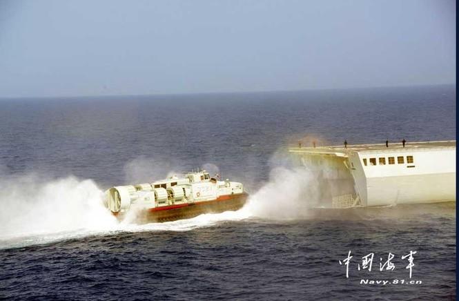 Tàu chiến và phi cơ Trung Quốc hùng hổ tập trận ở Biển Đông - ảnh 9