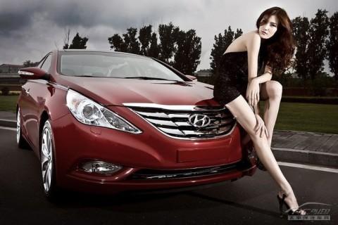 Mỹ nhân khoe sắc bên Hyundai Sonata - ảnh 13