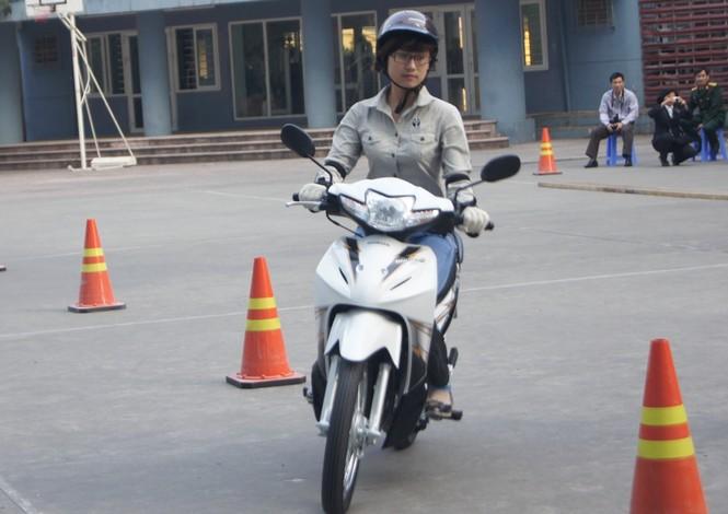 Tăng cường kỹ năng lái xe an toàn cho giới trẻ - ảnh 2