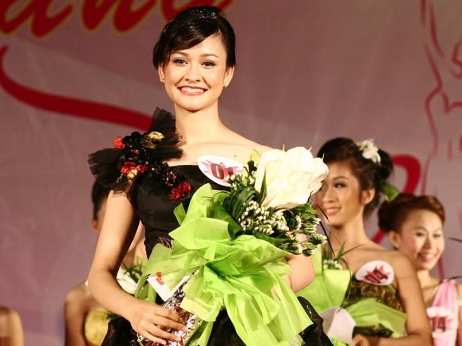 Á khôi 1 Nguyễn Kiều Trang