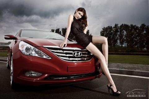 Mỹ nhân khoe sắc bên Hyundai Sonata - ảnh 15