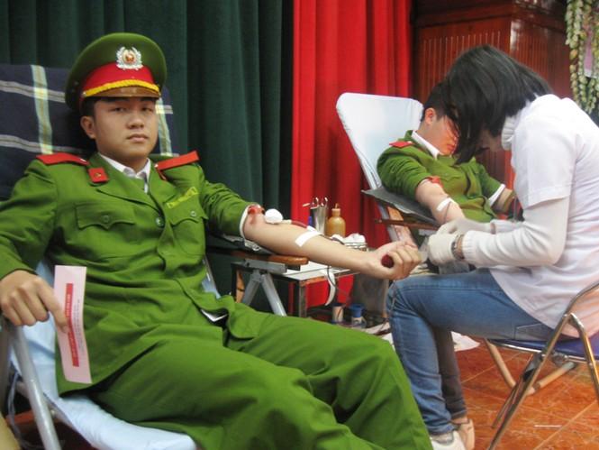 ĐVTN hiến gần 600 đơn vị máu - ảnh 1