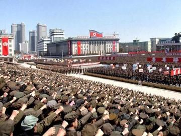 Binh lính Triều Tiên tuyên thệ ủng hộ nhà lãnh đạo Kim Jong-un. Ảnh: KCNA