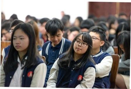 Học sinh Hà Nội được tư vấn du học ở 380 trường ĐH Mỹ - ảnh 1