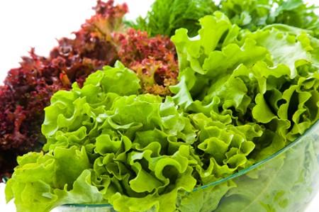 Vitamin K có nhiều trong rau xanh. (Ảnh minh họa)