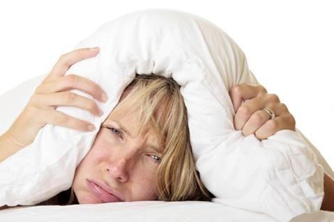 Mùa đông: 3 thói quen ngủ gây bệnh cần loại bỏ ngay - ảnh 1