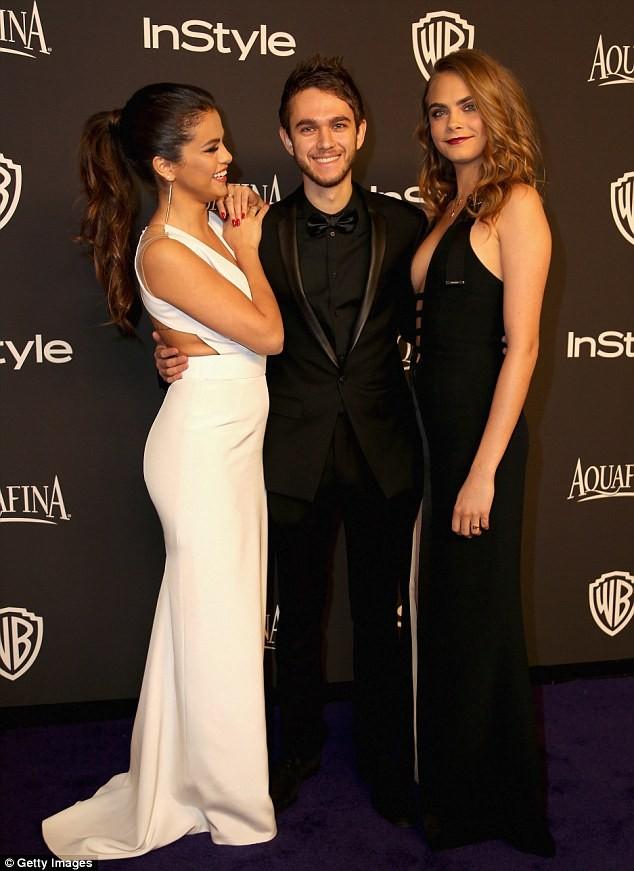 Selena Gomez quấn quýt bên nam DJ điển trai - ảnh 4