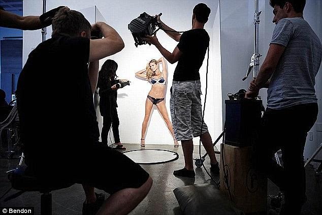 Heidi Klum khoe đường cong nóng bỏng như gái đôi mươi - ảnh 5