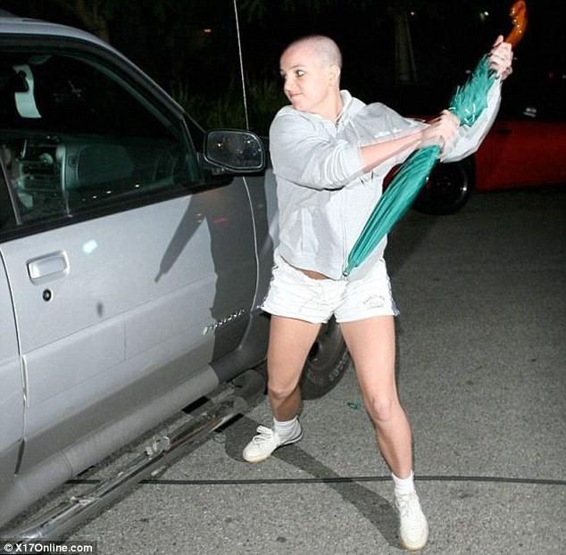 Britney Spears sốc nặng vì người yêu cũ bị Taliban sát hại - ảnh 4