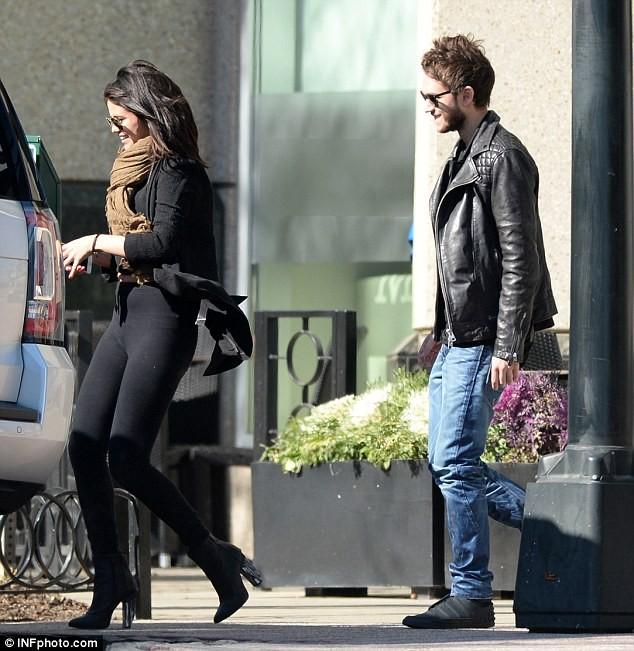 Selena Gomez và bạn trai mới bị theo dõi - ảnh 5