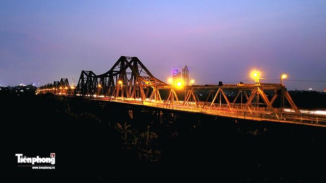 Nhìn gần 6 cây cầu `huyết mạch` bắc qua sông Hồng - ảnh 1