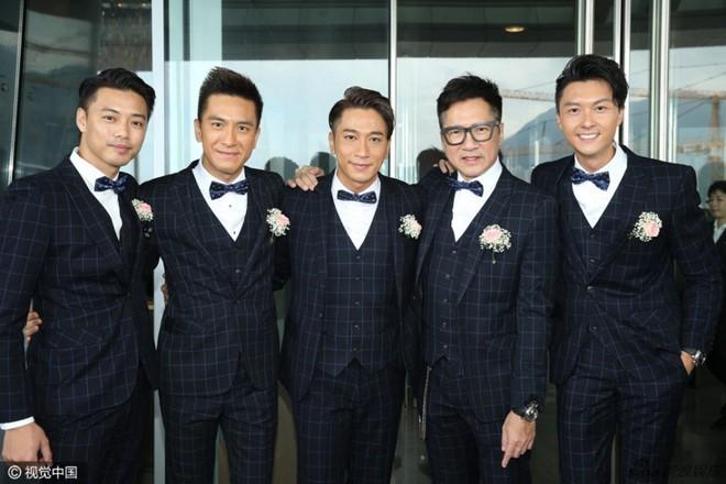 Hoa đán TVB Dương Di đeo vàng trĩu tay trong ngày cưới - ảnh 2