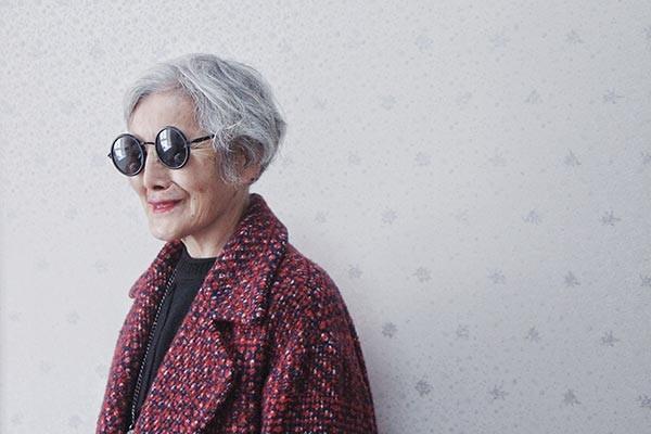 Cụ bà 74 tuổi 'lột xác' thành ngôi sao thời trang - ảnh 1