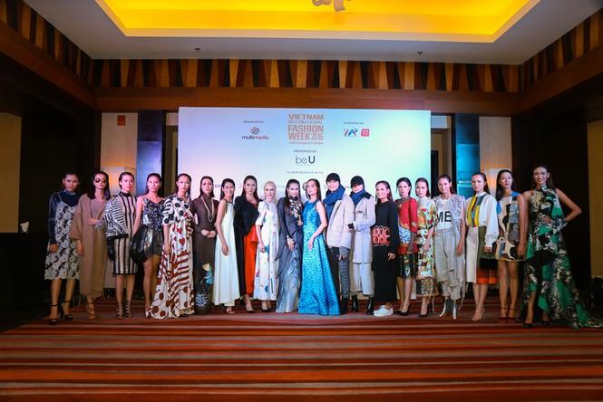 Hà Nội lần đầu tiên có Tuần lễ thời trang quốc tế - ảnh 1