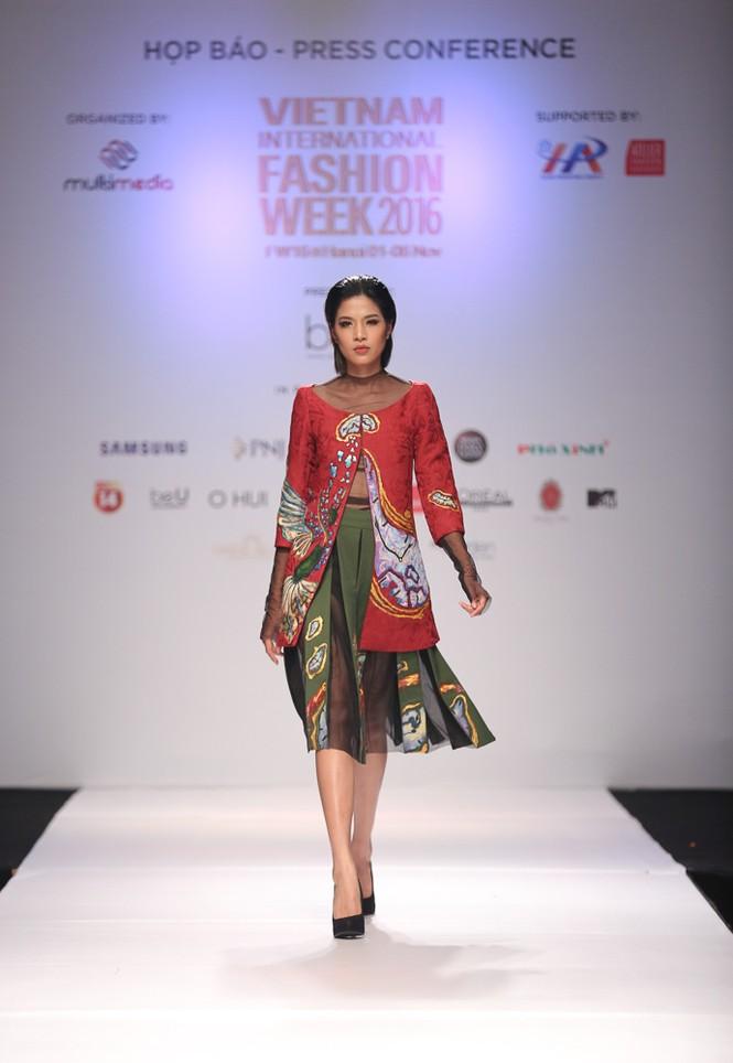 Hà Nội lần đầu tiên có Tuần lễ thời trang quốc tế - ảnh 7