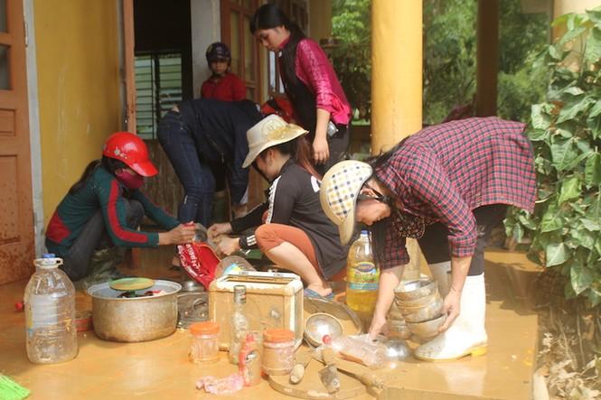 Ngành giáo dục Hương Khê nỗ lực khắc phục trường lớp sau lũ - ảnh 1