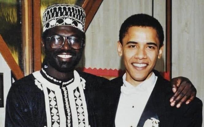Donald Trump mời anh trai Obama đến buổi tranh luận thứ 3 - ảnh 1