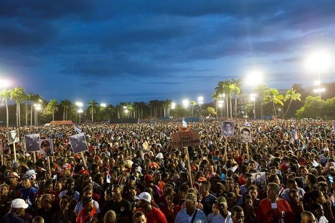 Chủ tịch Cuba cam kết gìn giữ di sản của lãnh tụ Fidel Castro - ảnh 1