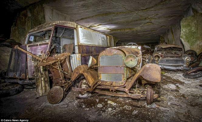 Phát hiện hàng chục xe hơi giấu trong hang đá suốt 70 năm - ảnh 7