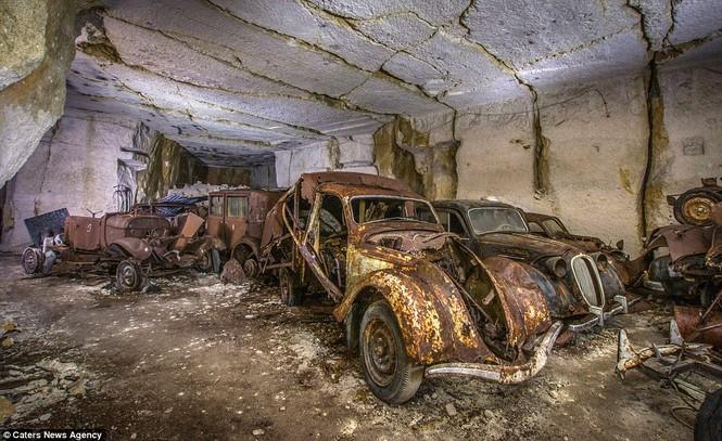 Phát hiện hàng chục xe hơi giấu trong hang đá suốt 70 năm - ảnh 6