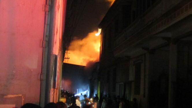 Cháy lớn ở điểm công nghiệp xã La Phù - ảnh 3