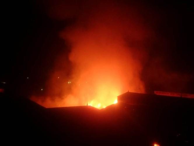 Cháy lớn ở điểm công nghiệp xã La Phù - ảnh 6