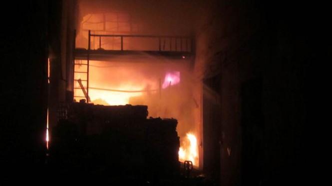 Cháy lớn ở điểm công nghiệp xã La Phù - ảnh 7