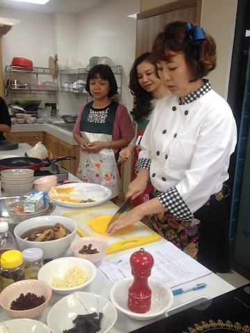 Chế biến món ăn Hàn Quốc cùng chuyên gia Hàn Quốc - ảnh 1