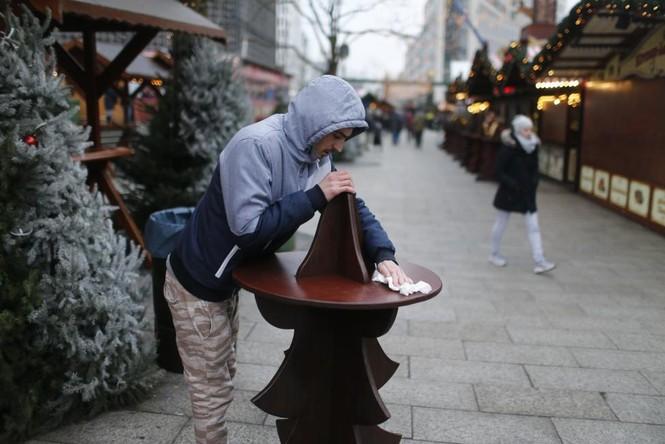 Đức mở lại chợ Giáng sinh sau thảm họa khủng bố - ảnh 7
